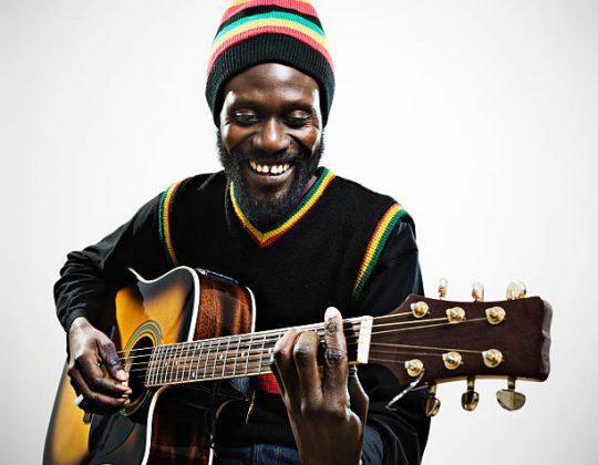 Quel type de guitare choisir pour jouer du Reggae ?